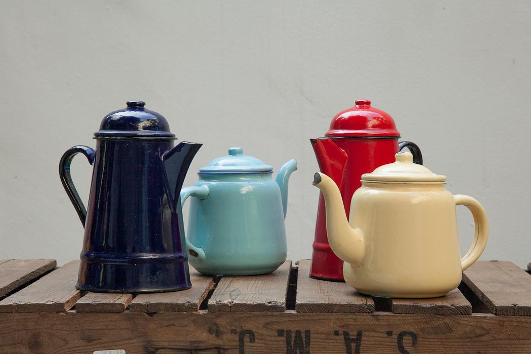 tin tea pots – SOLD