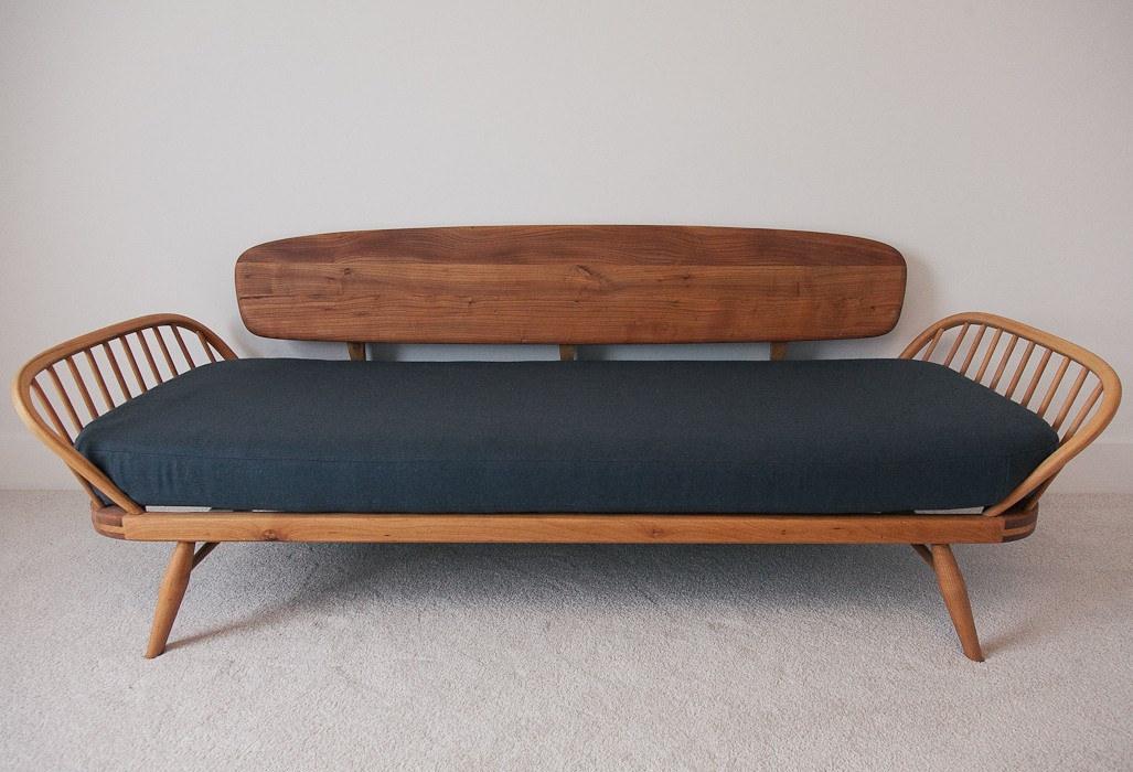 ercol daybed – SOLD
